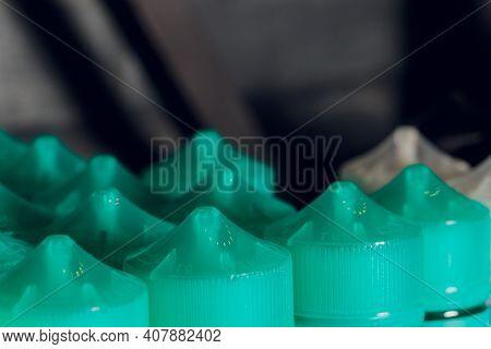 E-liquid E-juice High Vape For Electronic Cigarette Vaping Device , On Counter In Smoke Vapor In Vap