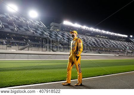 February 10, 2021 - Daytona Beach, Florida, USA: Kyle Busch (18) gets ready to qualify for the Daytona 500 at Daytona International Speedway in Daytona Beach, Florida.