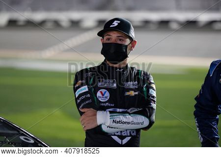 February 11, 2021 - Daytona Beach, Florida, USA: Kyle Larson (5) waits to race before for the Bluegreen Vacations Duel 1 at DAYTONA at Daytona International Speedway in Daytona Beach, Florida.