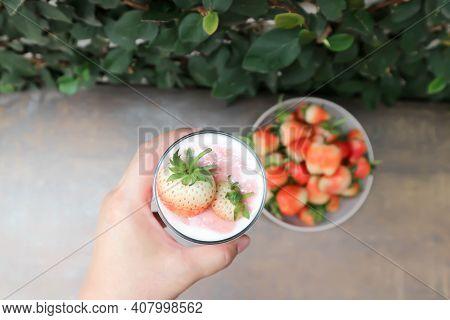 Strawberry Yogurt Smoothie, Berry Smoothie Or Strawberry Smoothie