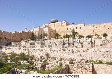 Al Aqsa Mosque And David's City. Jerusalem.