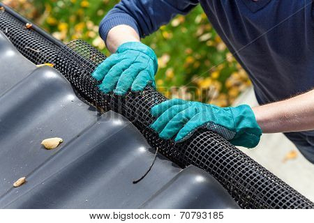 Securing Gutters