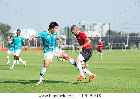 Huahin Thailand-jan28,2016: Thiago Cunha (r) Of Port Fc In Action During Friendly Match Pre-season B