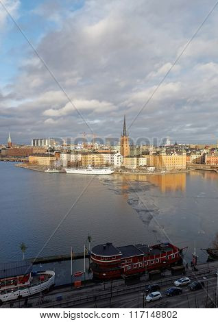 Old Beautiful Buildings In Riddarholmen By The Sea In Central Stockholm