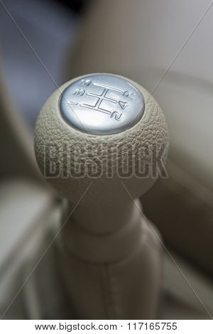 Close view of the manual gearshift in the car