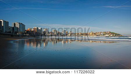 Gijon Reflection In San Lorenzo Beach