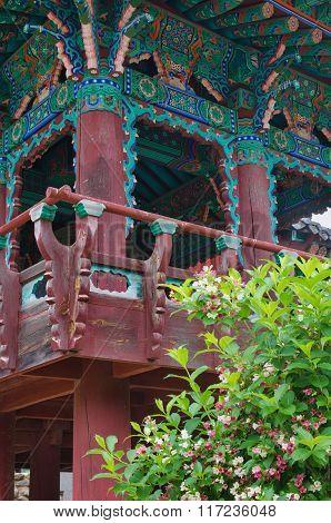 Buddhist Sinheungsa Temple In Seoraksan National Park, South Korea