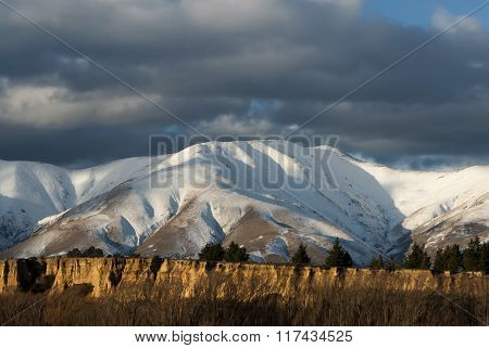 Fresh snow dusting on mountain range, New Zealand