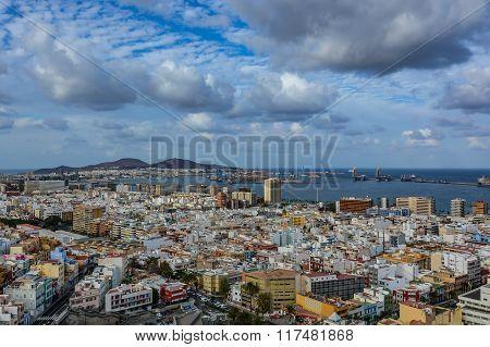 Panoramic view of Las Palmas de Gran Canaria on a cloudy day