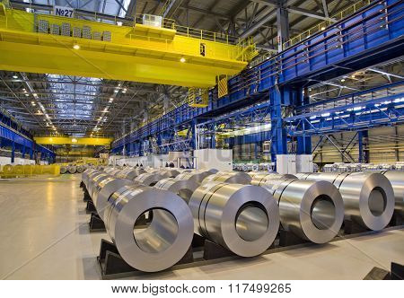 Packed rolls of galvanized steel