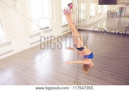 She's Got Very Strong Legs