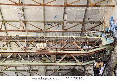 Old Power House: Gantry Crane