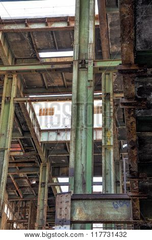 Old Power House: Steel Beams