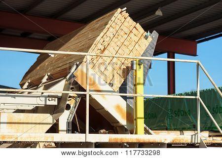 Unpacking Lumber