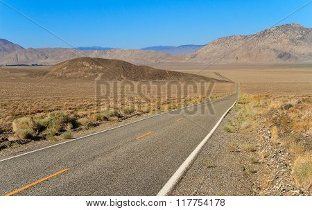 Road To Inyo National Forest Park