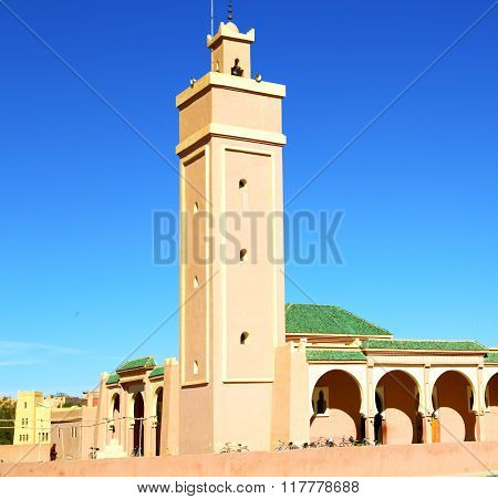 In Maroc Africa Minaret And The Blue    Sky