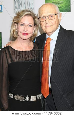 LOS ANGELES - FEB 10:  Lyn Lear, Norman Lear at the 17th Annual Women's Image Awards at the Royce Hall on February 10, 2016 in Westwood, CA