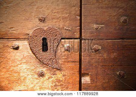 Brown Knocker And Wood  Door Castiglione