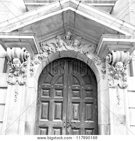 Door St Paul Cathedral In London England Old Construction And Religion