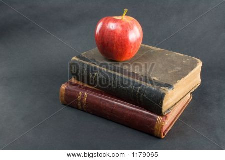 Apple And Readers