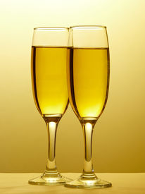 Champagne w/Clipping path