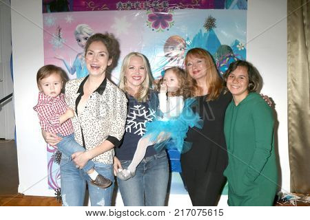 LOS ANGELES - NOV 26:  Ashley Jones, Adrienne Frantz, Andrea Evans and children at the Amelie Bailey 2nd Birthday Party at Private Residence on November 26, 2017 in Studio City, CA