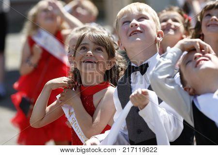 Belarus the city of Gomel 03.06.2016. Graduation kindergarten.Children are looking up.Graduates of the kindergarten. Six-year-old children. Shortly to school