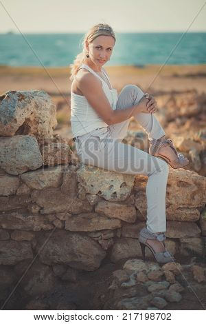 Amazing Lady Blond Woman In Light White Stylish Clothes Sexy Posing On Sea Side Beach Air.sparkler G