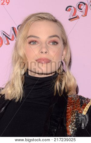 LOS ANGELES - DEC 6:  Margot Robbie at the 29Rooms West Coast Debut presented by Refinery29 at the ROW DTLA on December 6, 2017 in Los Angeles, CA
