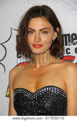 SAN DIEGO - July 22:  Phoebe Tonkin at the Entertainment Weekly's Annual Comic-Con Party 2017 at the Float at Hard Rock Hotel San Diego on July 22, 2017 in San Diego, CA