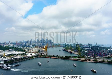 Singapore.october 22,2017. Ferry Boat Is Floating Over The Sea And Transfer Passenger Or Tourist Bet