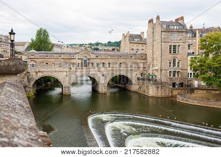 Bath town, western England, Pulteney Bridge over River Avon