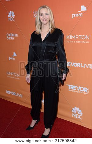 LOS ANGELES - DEC 03:  Lisa Kudrow arrives to the TrevorLive Los Angeles Gala on December 3, 2017 in Beverly Hills, CA