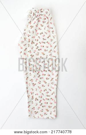 White pants with flower pattern. Waistband and drawstring. Cute and comfy pajama bottom.