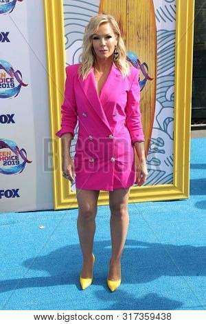 LOS ANGELES - AUG 11:  Jennie Garth at the Teen Choice Awards 2019 at Hermosa Beach on August 11, 2019 in Hermosa Beach, CA