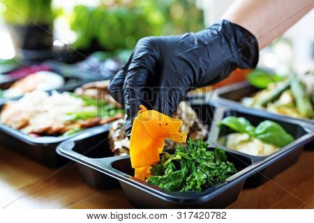Box Diet. Appetizing Lunch Boxes. Food Delivered To Your Doorstep