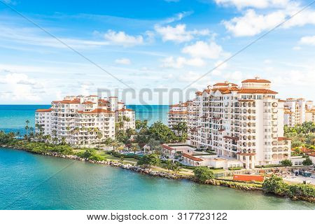 Miami, Usa - September 06, 2014 : View Of Luxury Apartments In Fisher Island On September 06, 2014 I
