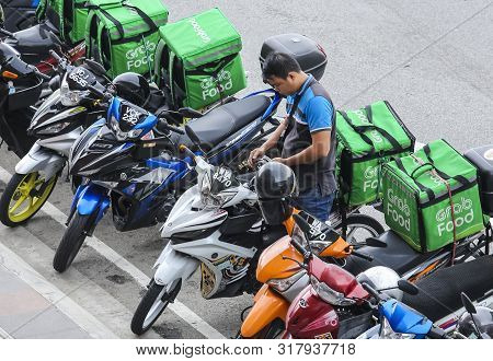 Food Delivery Service Rider For Grabfood
