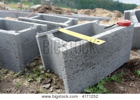 Shuttering Blocks And Protractor