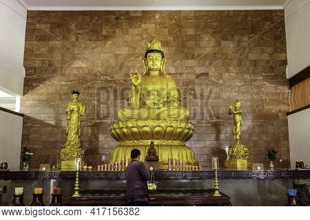 Visit The Biggest Temple In Batam Island, Indonesia - Nov 29, 2018, The Golden Kwan-yin Statue In Th