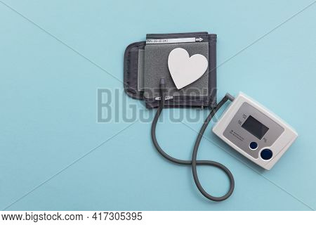 Blood Pressure Check Up Monitor To Test For Heart Disease