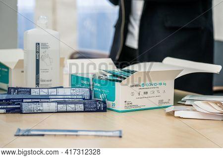 14.04.2021 Geneda Coronavirus Covid-19 Diagnostic - Swab Sample Collection Kit, Test Tube For Nasal