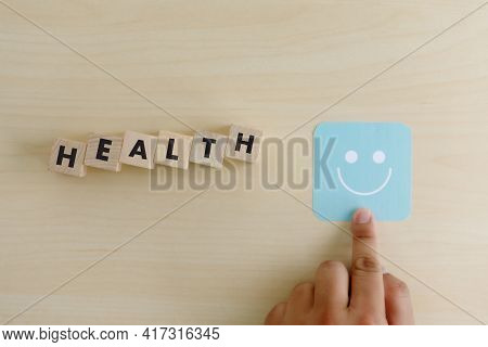 Medical And Health Choosing Feedback Rating Happy Good To Review Experience Care