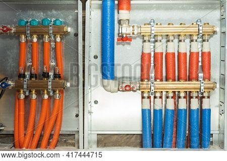 Manifold And Pump Group For Underfloor Heating With Servo-motor And Flowmeter Valves, Installed In A