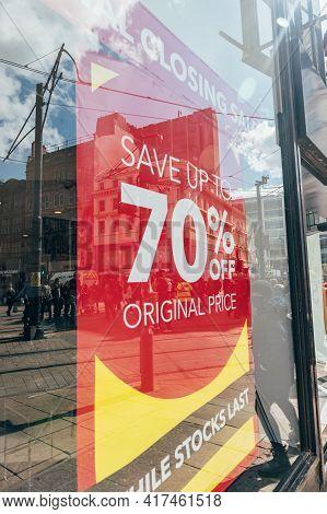 Manchester, England, Uk - 12 April, 2021 Open Shops After Lockdown. Final Closing Sale Banner At Deb