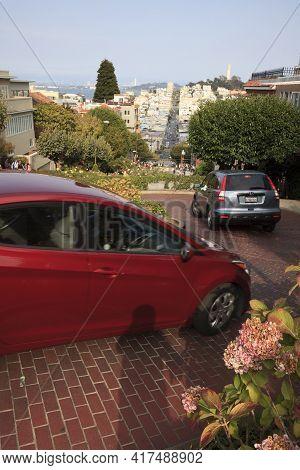 San Francisco, California / Usa - August 25, 2015: Lombard Street In San Francisco City, San Francis