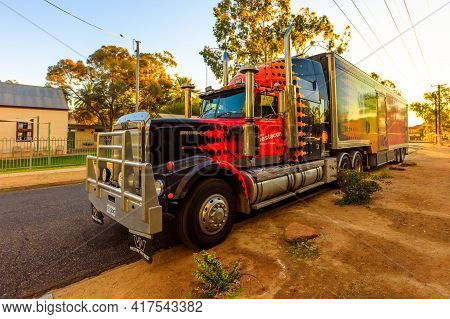 Alice Springs, Northern Territory, Australia - August 14, 2019: Western Star Truck Of Shell Questaco