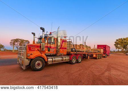 Ghan, Northern Territory, Australia - August 2019: Western Star Road-train Truck Of Western Star Roa
