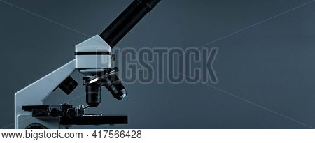 Scientific microscopes Lenses and microscope eyepieces for scientific research