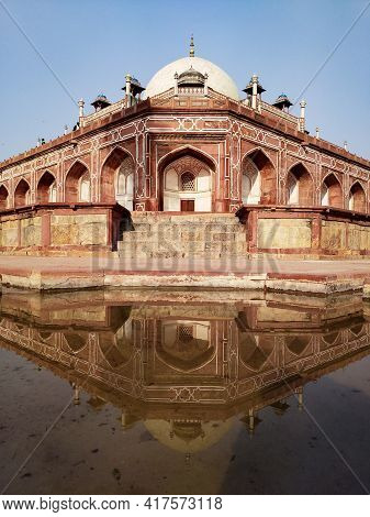 Editorial Dated:11th February 2020 Location: Delhi India.a Mirror Image Of The Corner Of Humayun's T